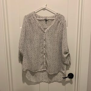 🌀 Maurices Button Down